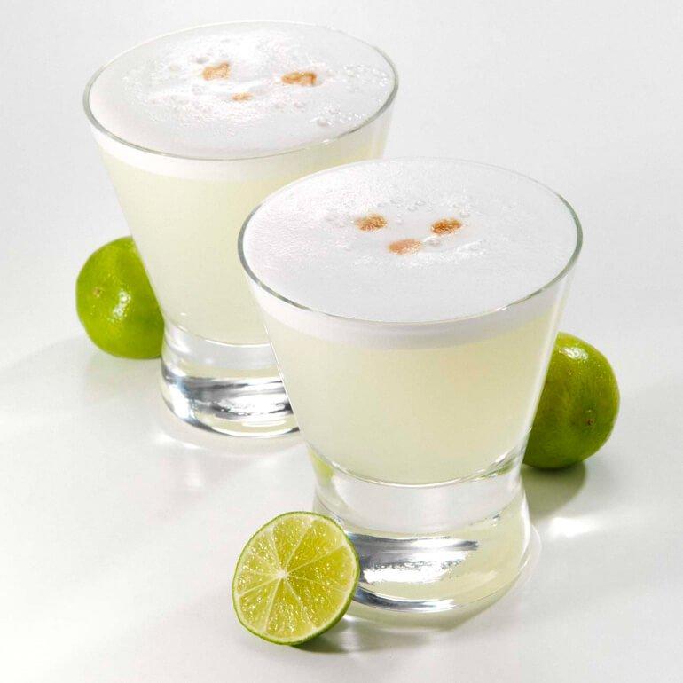 Bebida peruana - pisco sour (Bebida típica do Peru)