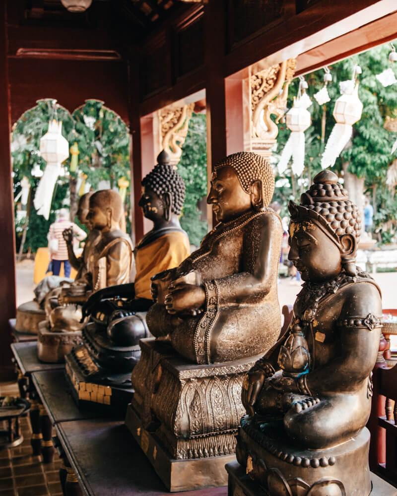 Ching Mai, Tailândia - estátuas