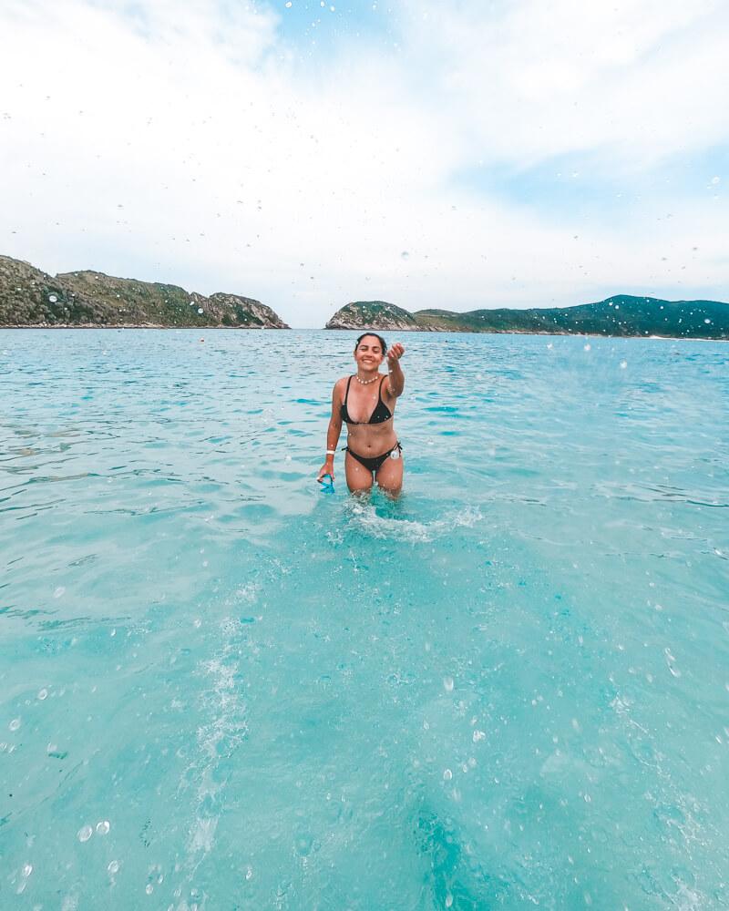 Água azulzinha na praia do Farol