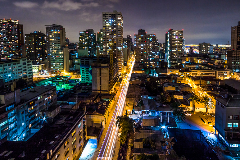 Santiago à noite vista da janela doapartamento que ficamos