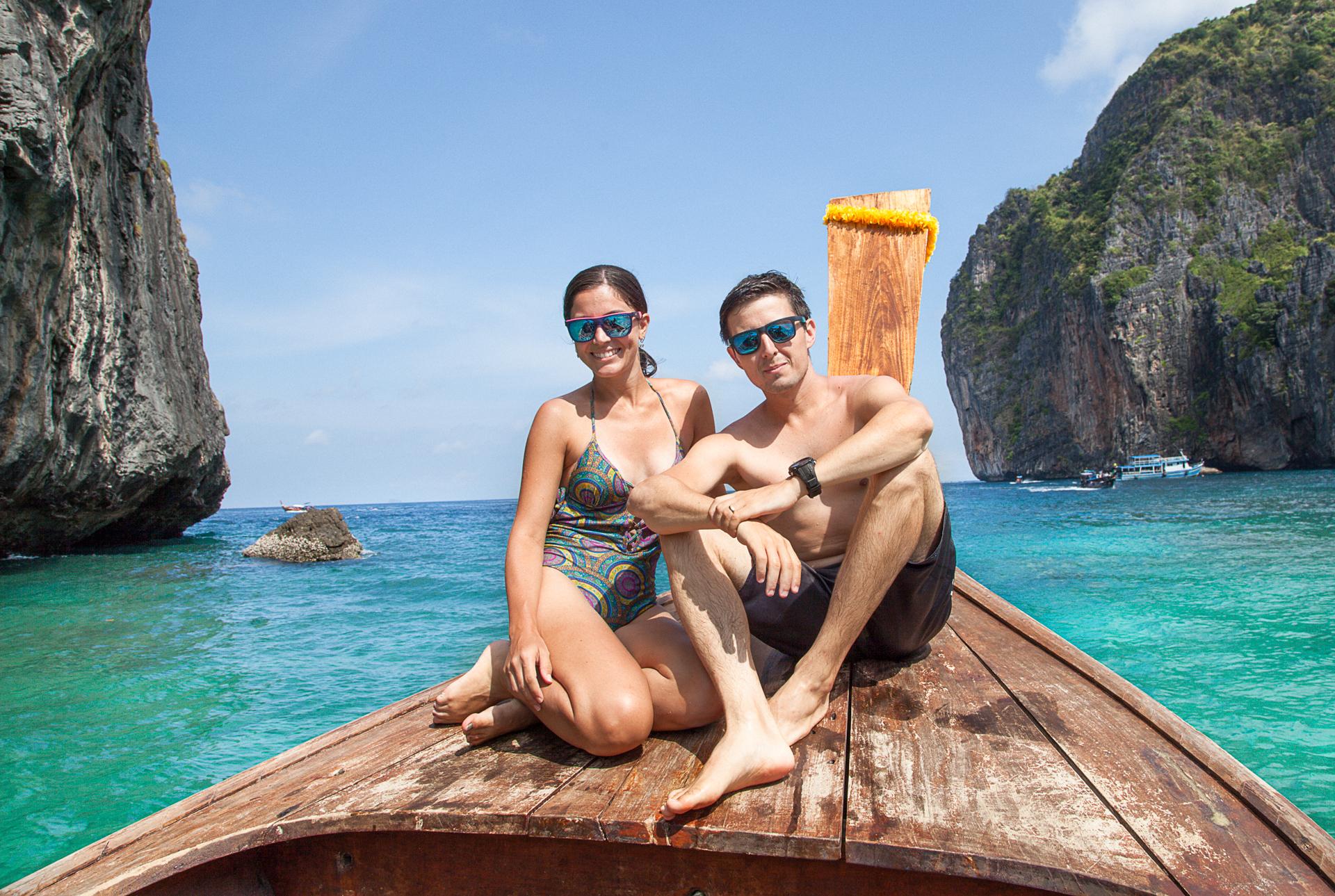 Flávio e Geisiele conhecendo Maia Bay