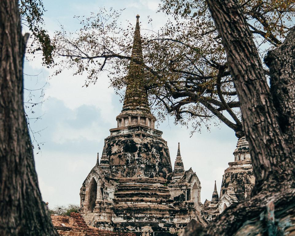Ruina de um antigo templo em Ayutthaya