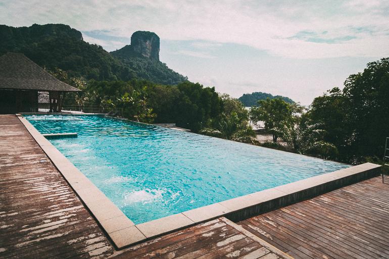 Railay Princess Resort & Spa - piscina com borda infinita