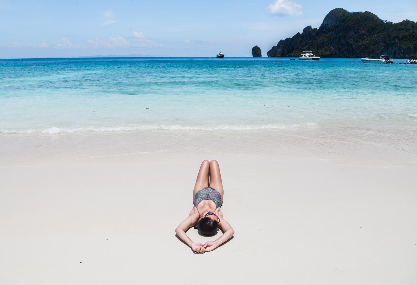 Praia Monkey Beach na Tailândia