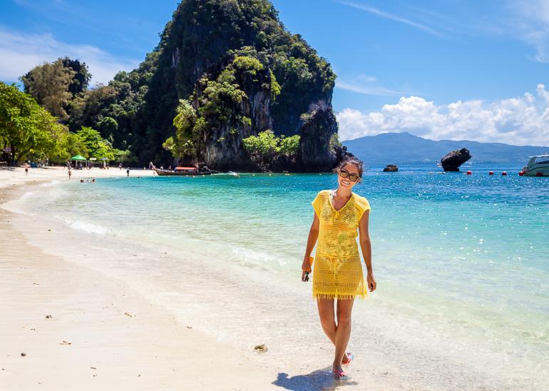 Hong-beach-a-praia-de-hong-island