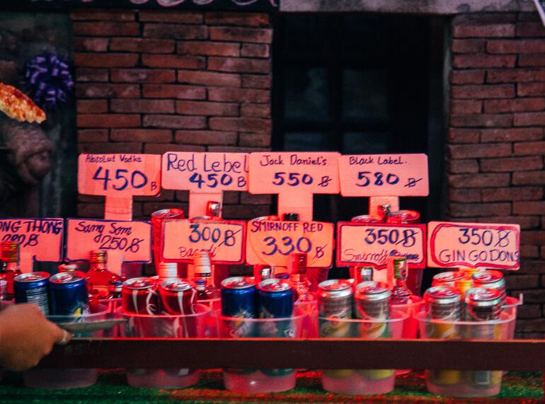 buckets em Koh Phi Phi