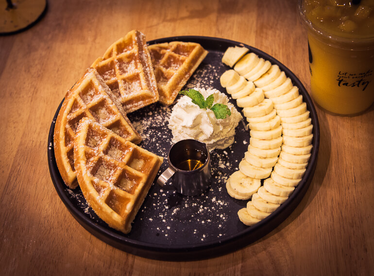 Waffles do Mango Garden