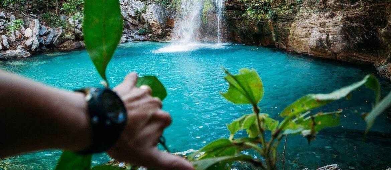 cachoeira santa barbara chapada dos veadeiros viajando na janela