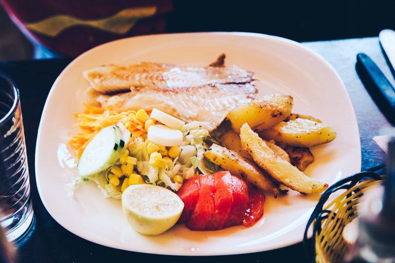 Como economizar no Atacama - os restaurantes conhecidos como Los Carritos são uma boa opção