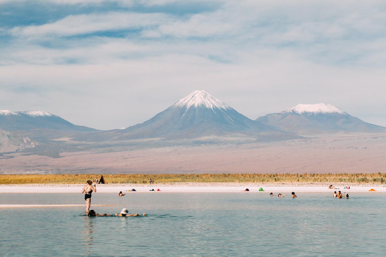Vista linda na Laguna Piedra próxima à Laguna Cejar, Atacama