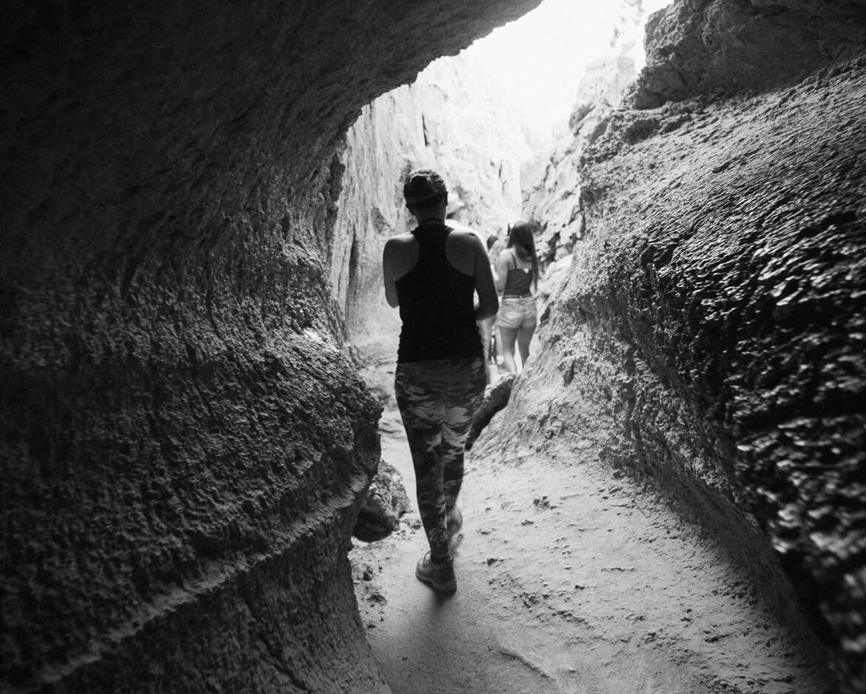 Caverna, Valle de La Luna - Atacama | Viajando na Janela