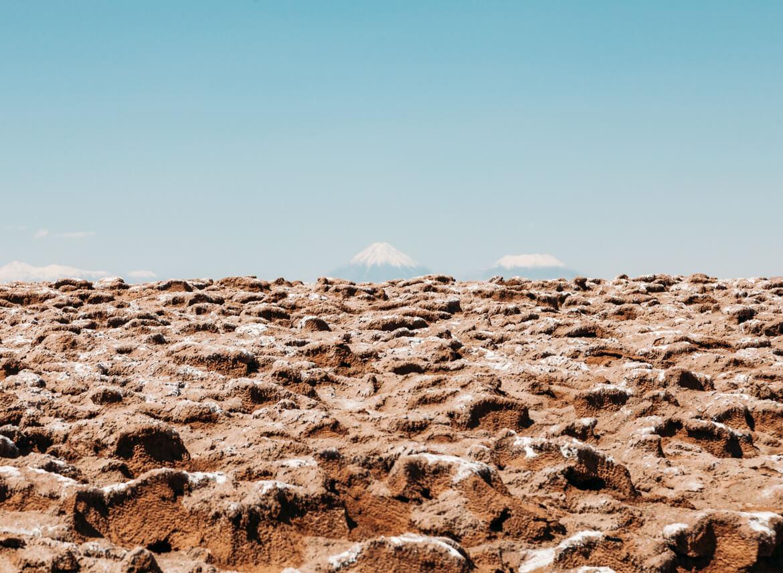 Lagunas Escondidas de Baltinache | ao fundo, os vulcões Licancabur e Juriques