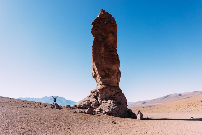 Um dos Monjes de La Pacana (ou Moais de Tara), no Salar de Tara