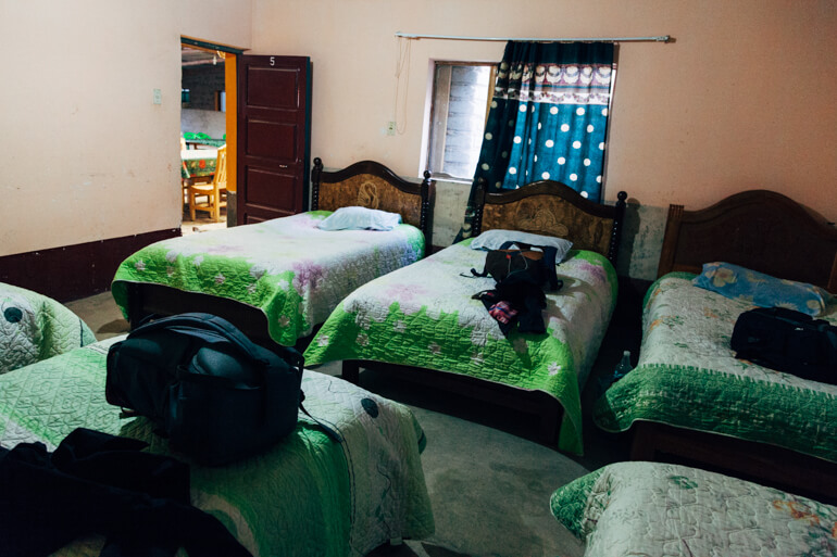 Nosso quarto com 6 camas | Viajando na Janela