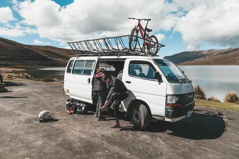 Estrada da Morte, Bolívia: preparação