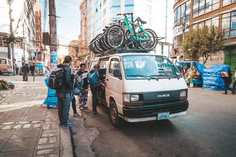 Estrada da Morte, Bolívia: van da agencia