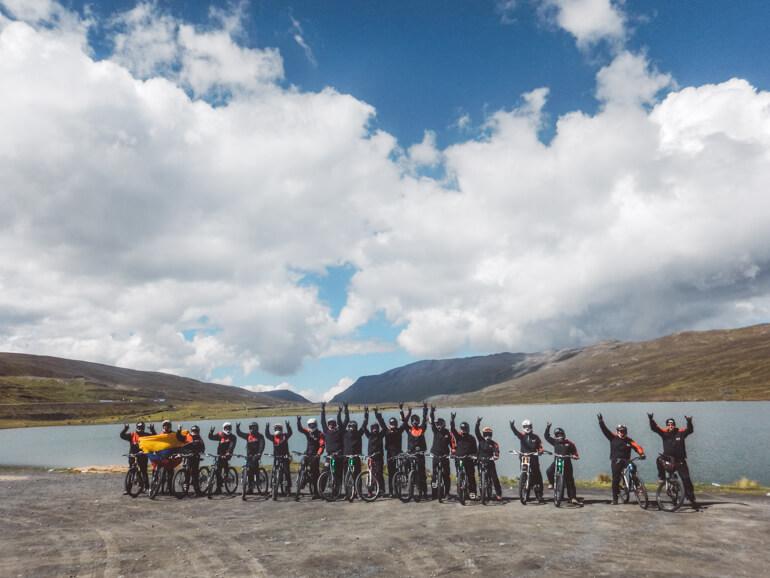 Estrada da Morte, Bolívia: grupo reunido