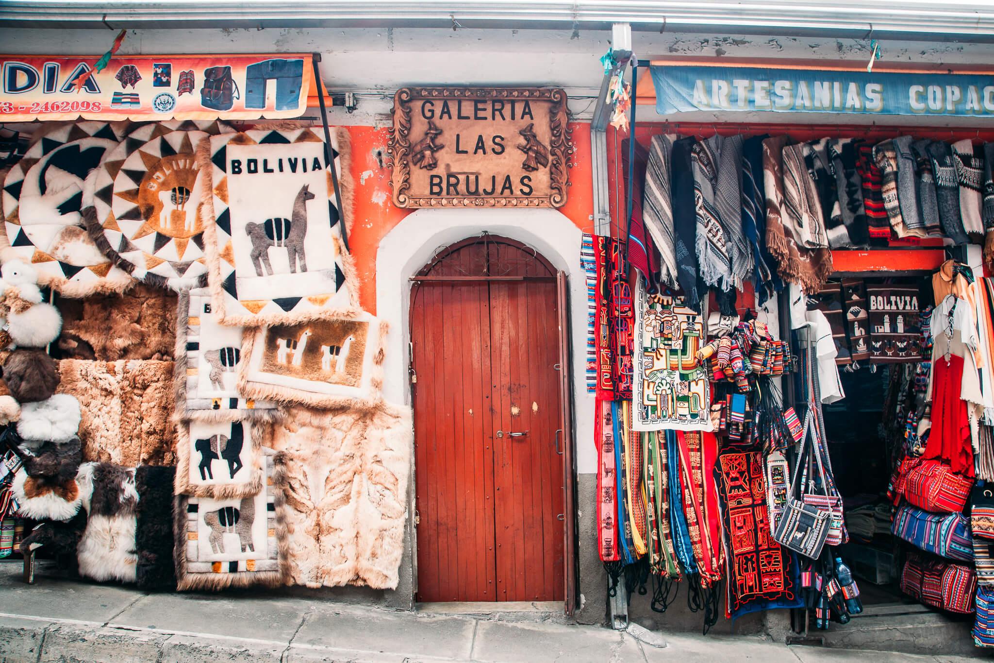 Artesanato na Rua das Bruxas