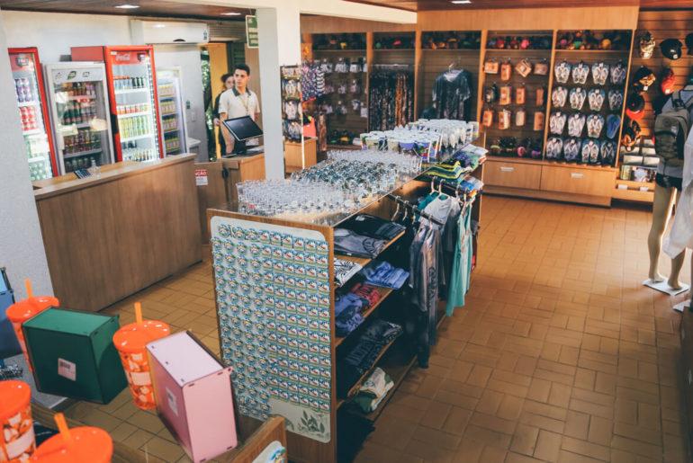 Lojinha de souvenir localizada na entrada do Macuco Safari