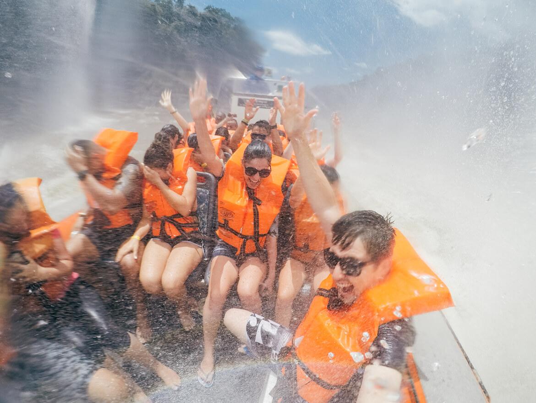 Pra quem curte aventura, o Macuco Safari é um passeio super indicado em Foz do Iguaçu