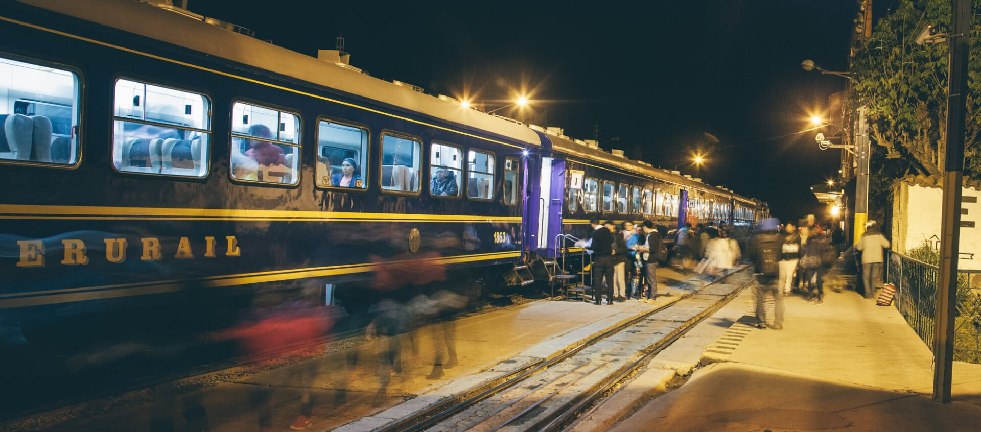Trem da Peru Rail na estação de Ollantaytambo | 7 dicas para conhecer Machu Picchu