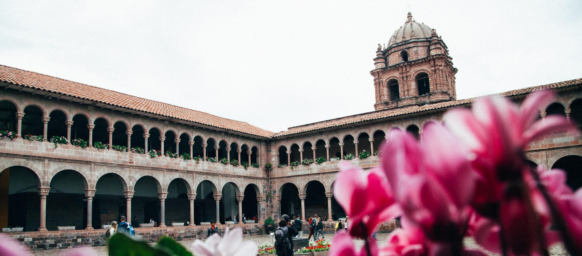 Convento de Santo Domingo   City Tour em Cusco, Peru