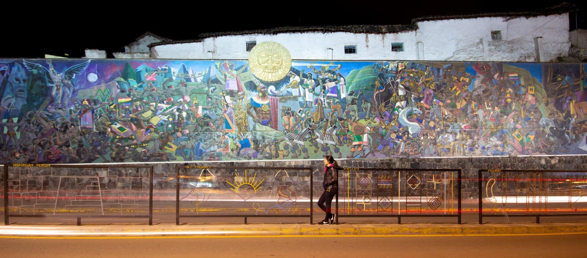 Um dos murais coloridos de Cusco