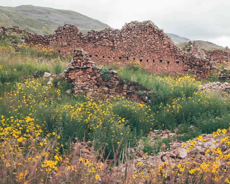 A maioria das construções de Pikillacta foram destruídas pelos incas e pelos espanhóis