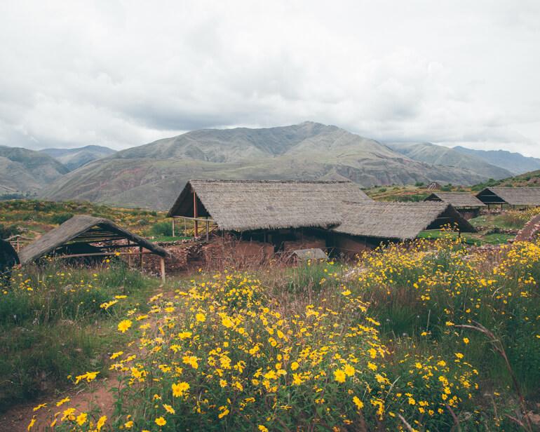 Os telhados vistos em algumas construções de Pikillacta são simulações da forma em que possivelmente eram construídos