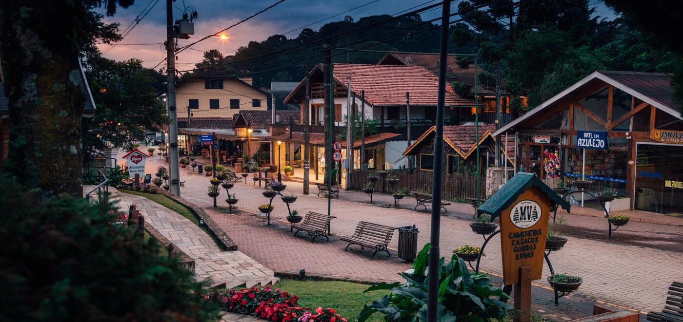 Rua principal de Monte Verde MG