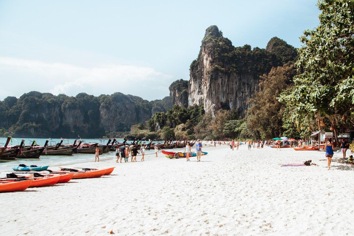 O que fazer em Railay: curtir uma praia!