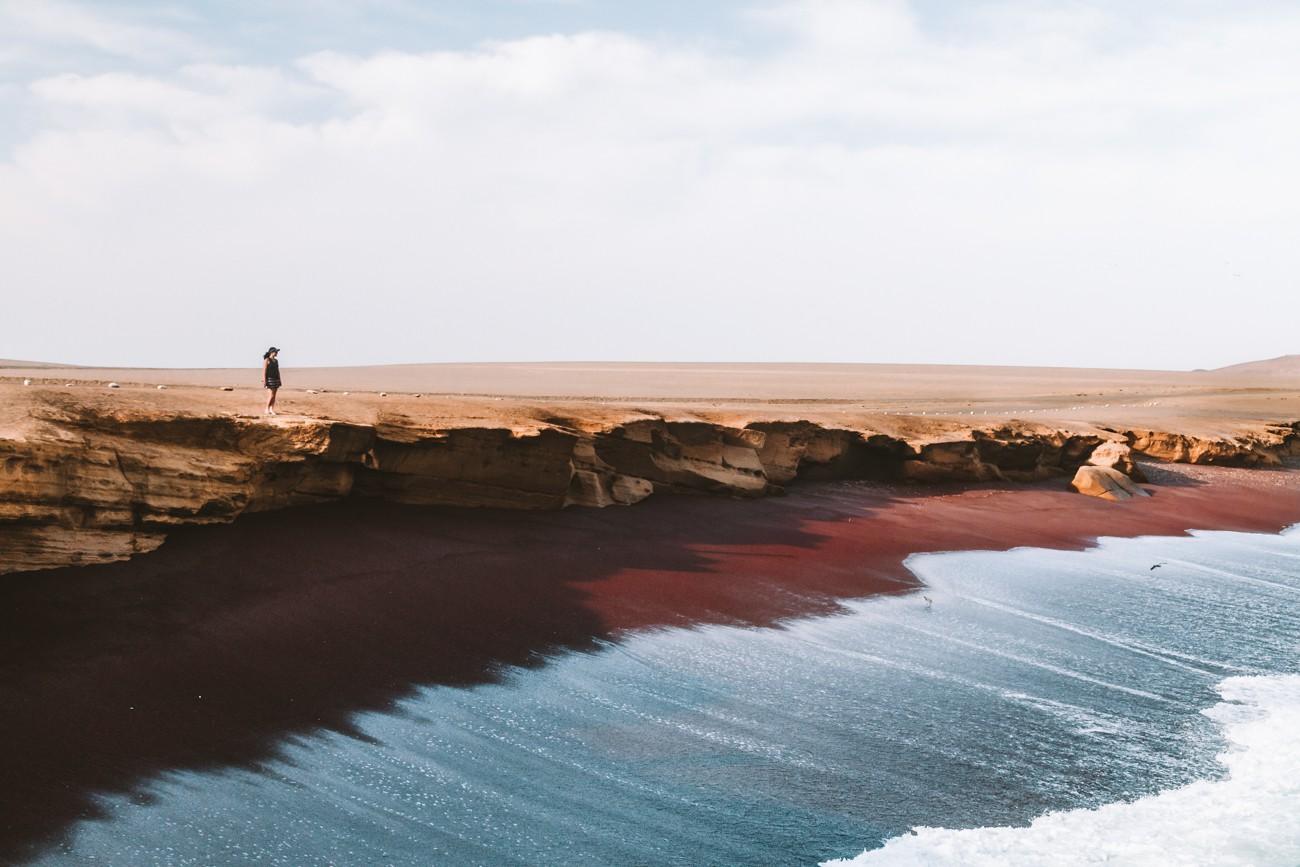 Playa Roja - Paracas, Peru