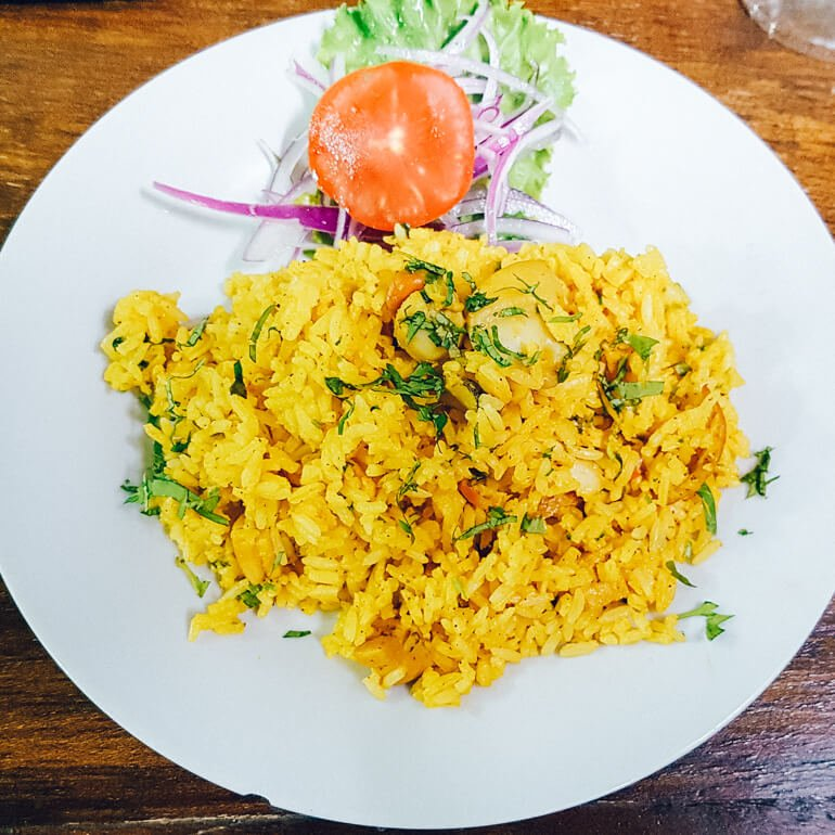 Comida peruana - Arroz chaufa (comida típica do Peru)