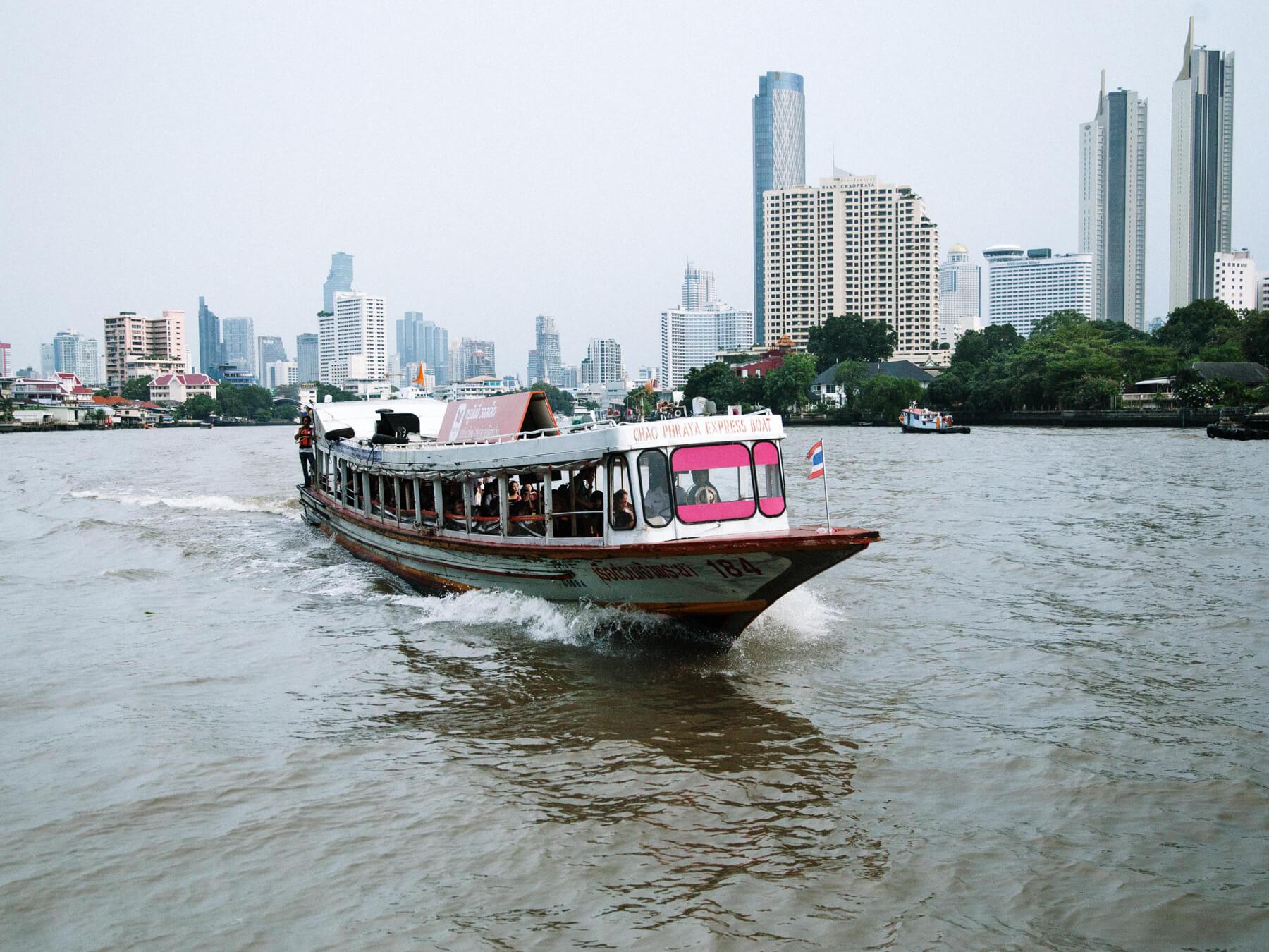 Roteiro Tailândia: Barco em Bangkok
