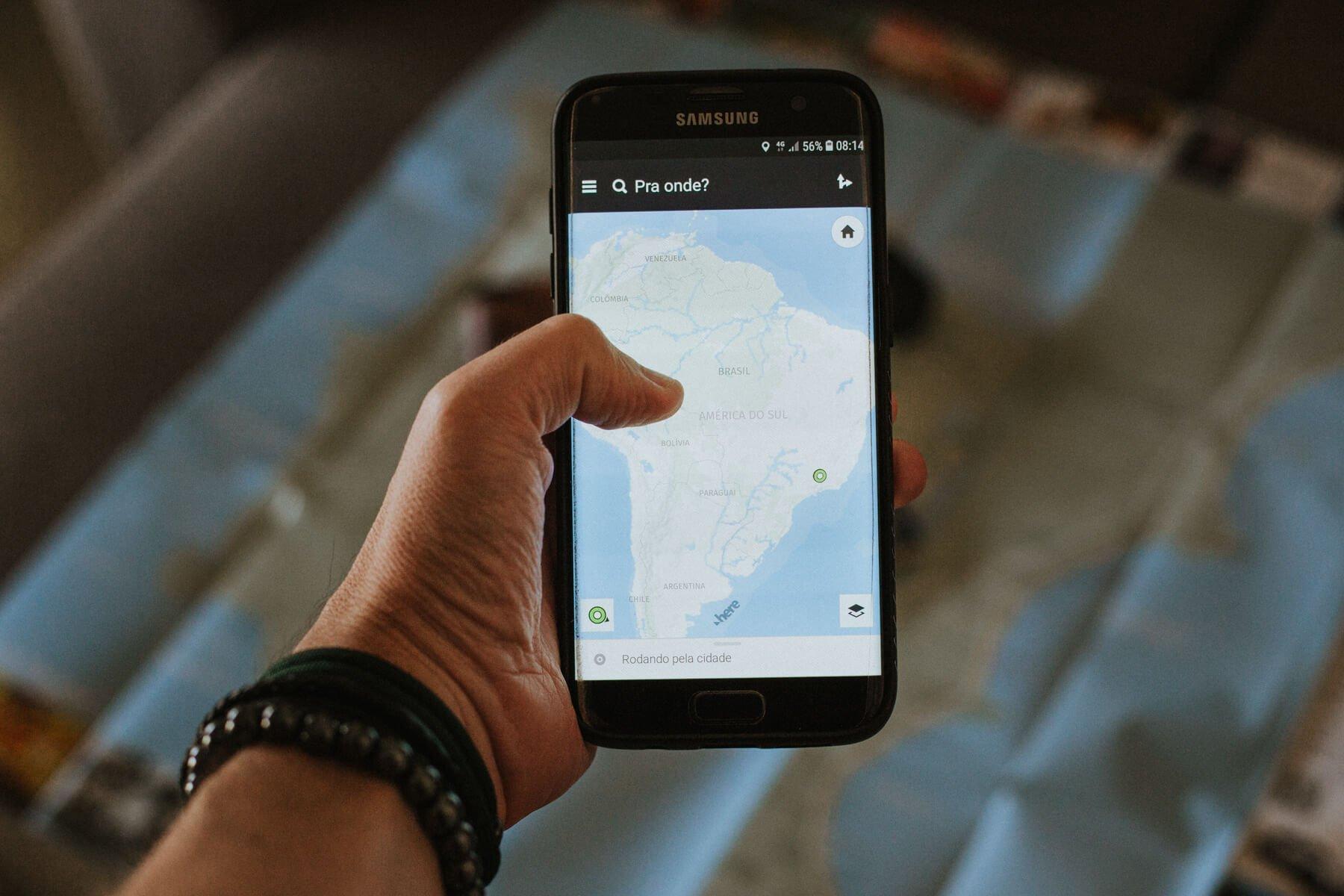 Como planejar viagem internacional: internet
