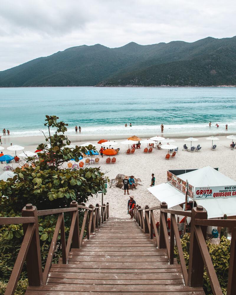 melhores praias de Arraial do Cabo: escadaria das Prainhas do Pontal do Atalaia
