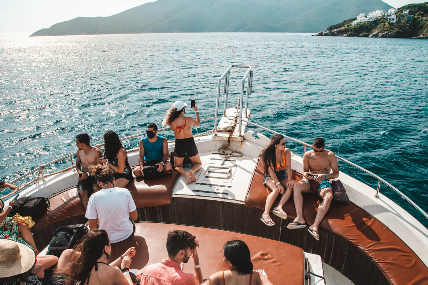 Barco da empresa Arraial Vip