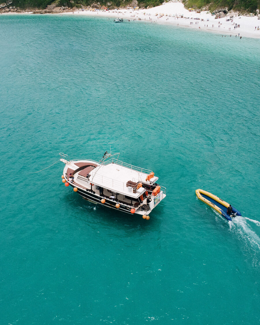 Passeio de barco em Arraial do Cabo: Barco da Arrail Vip