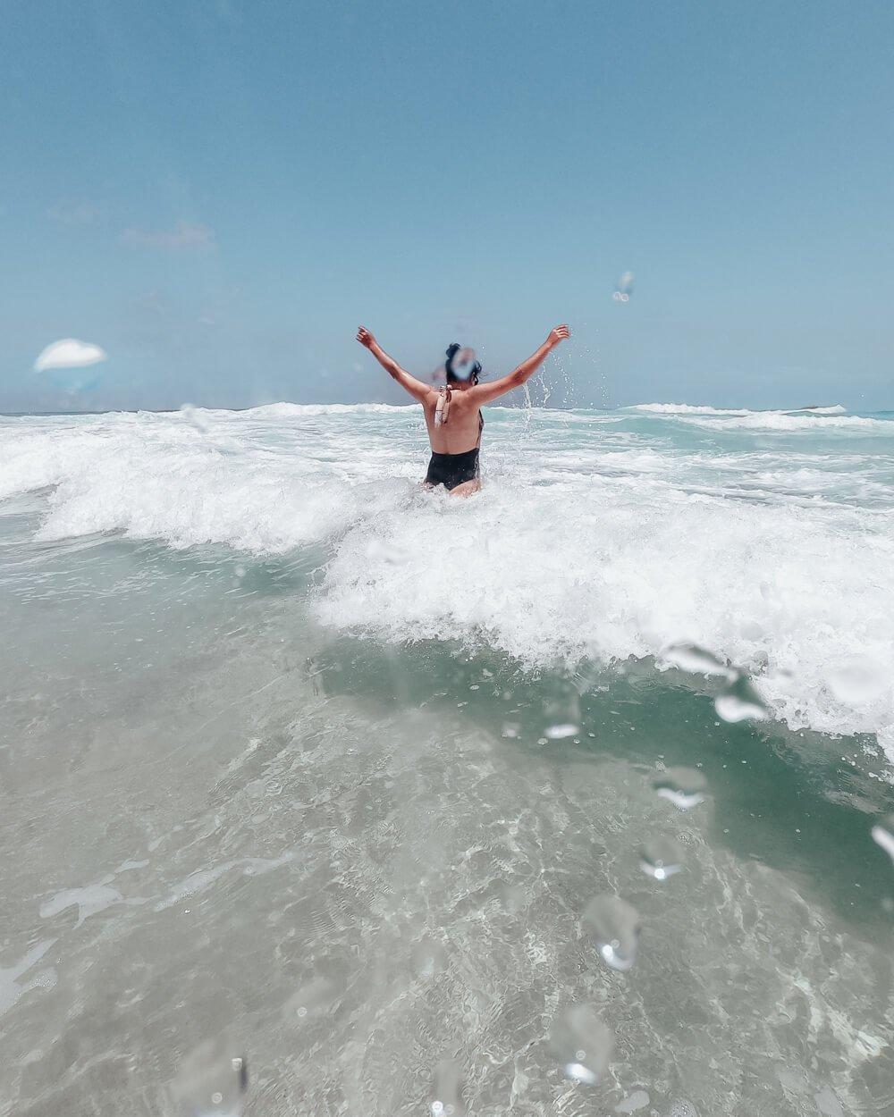Praia Brava: Água transparente