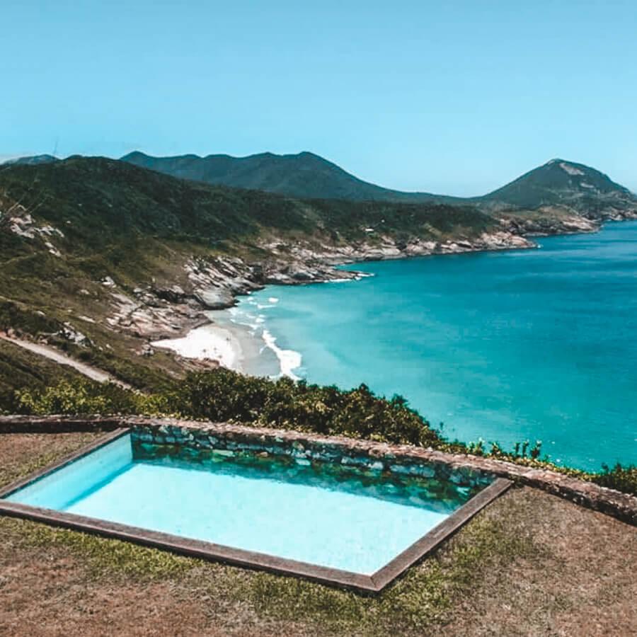 Airbnb em Arraial do Cabo: Exclusividade no pontal do Atalaia - piscina