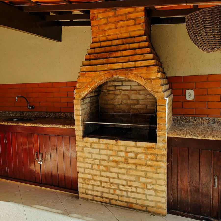 Casa espaçosa - churrasqueira