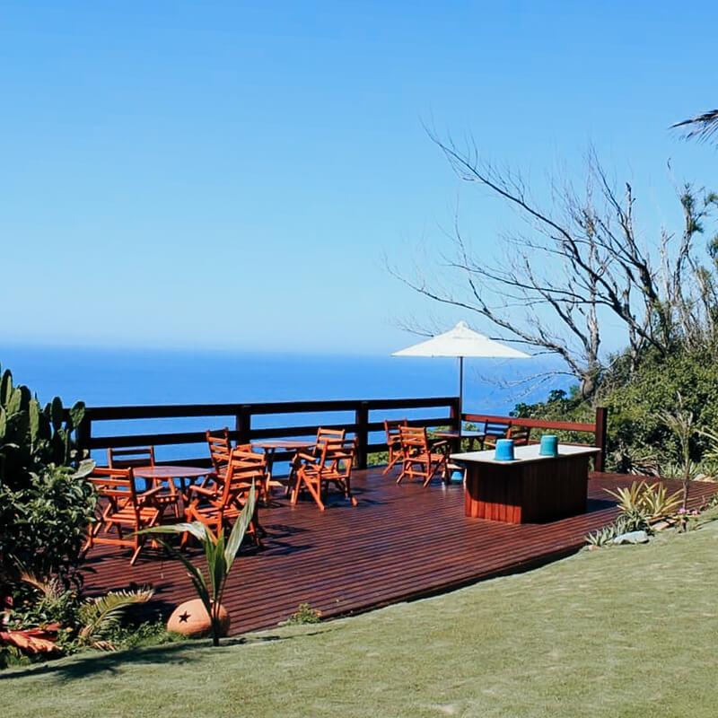 airbnb arraial do cabo - deck de madeira