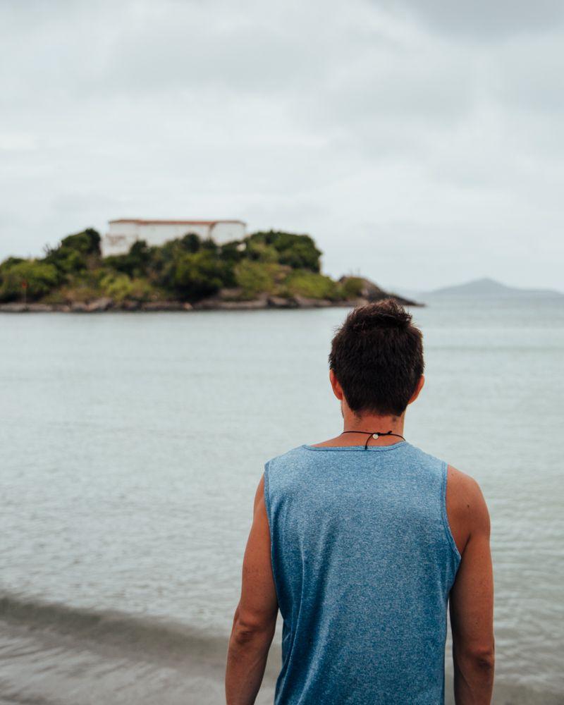 Forte de São Matheus, visto da orla da Praia do Forte