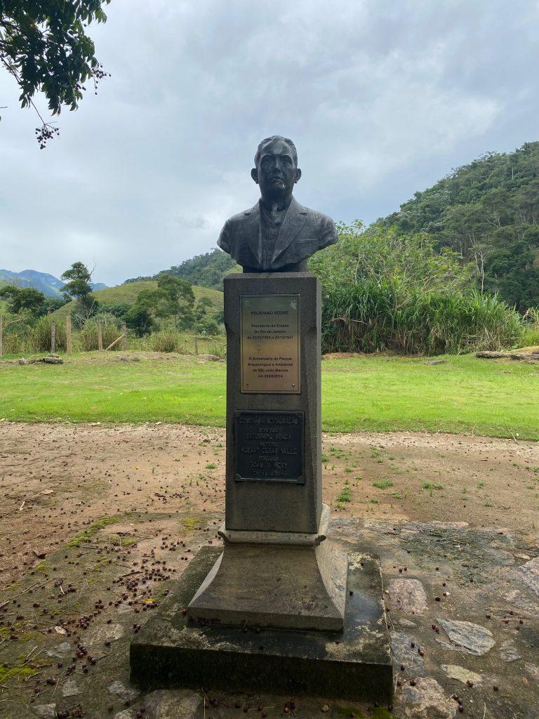 Busto de Feliciano Sodré