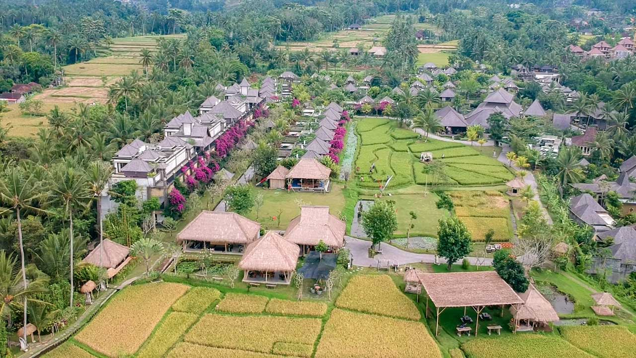 Foto de drone do Desa Visesa Resort