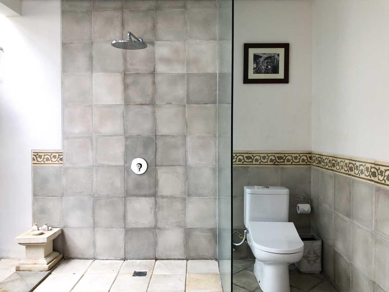 Ducha do banheiro do Desa Visesa