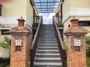 Escada para o quarto UbudOne Villas