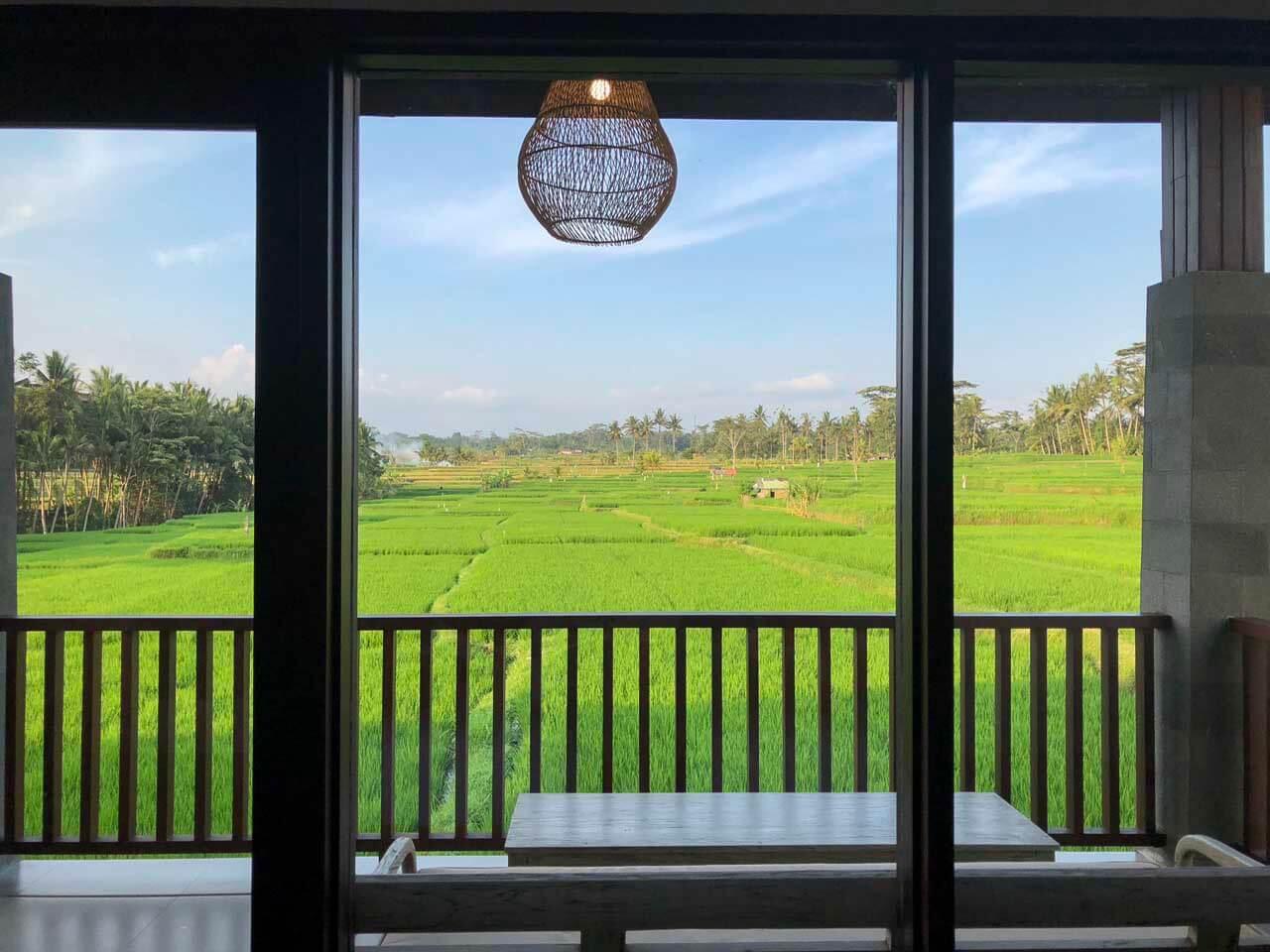 Vista do quarto do UbudOne Villas.