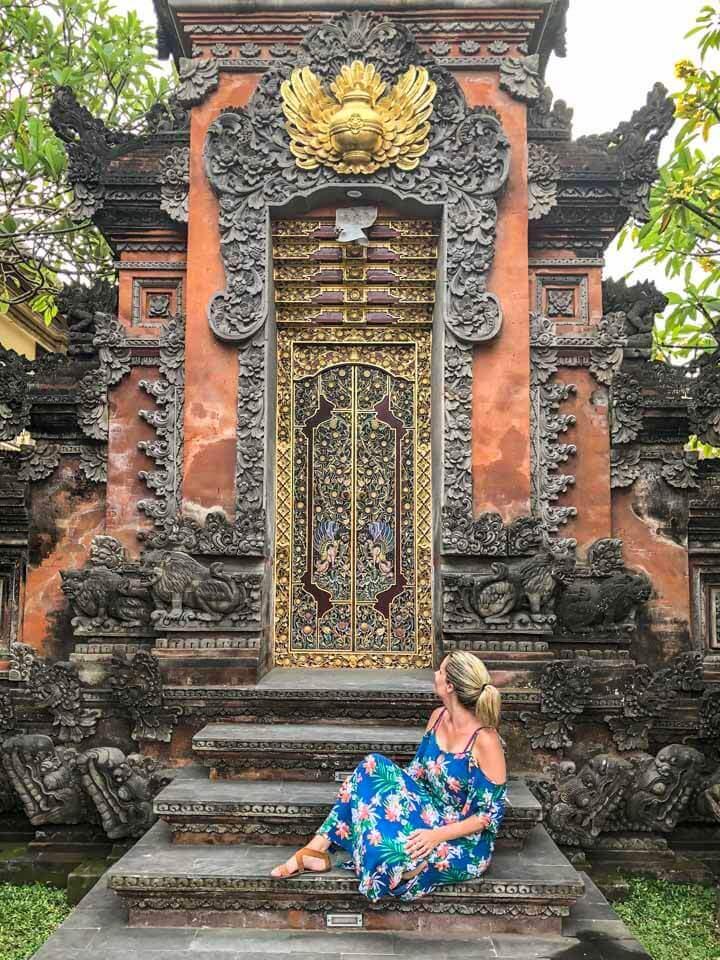 Entrada de um templo em Ubud