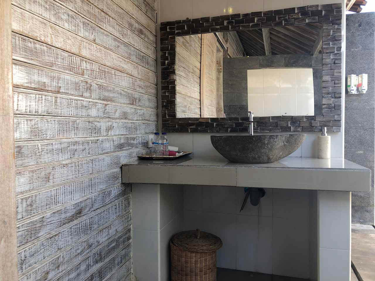Banheiro do The Palm Grove Villas